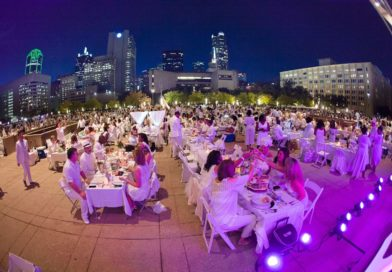 Dallas diner en blanc secret location?  City Hall Plaza!