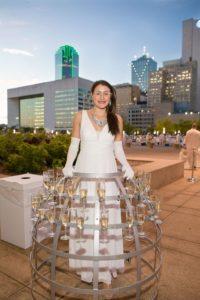 moet-chandon-champagne-lady