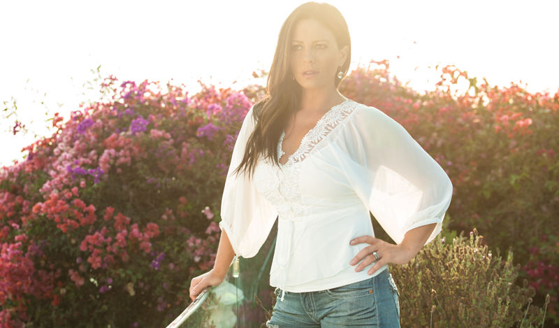 Nov. 19: Award-Winning Country Singer Sara Evans performs at M1Ball Mission Possible benefiting Mercury One