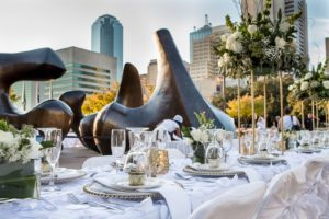 dallas-diner-en-blanc-sponsor-table